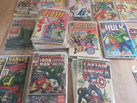 See how all the titles in this comic book collection are stacked in the same series?